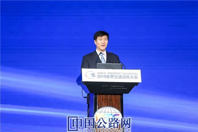 交通运输部党组成员、副部长刘小明出席会议.jpg
