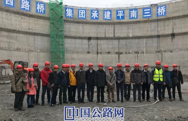 4广西交通设计集团到平南三桥开展设计回访.jpg
