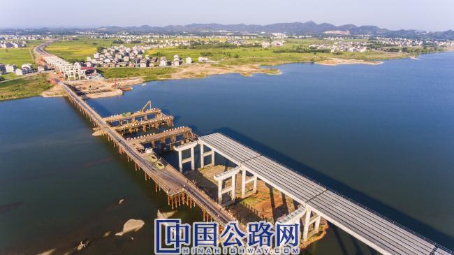 王安石特大桥施工.jpg