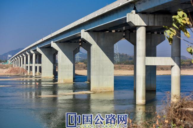抚河大桥.jpg