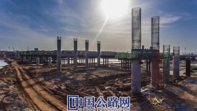 王安石大桥桩基施工.jpg
