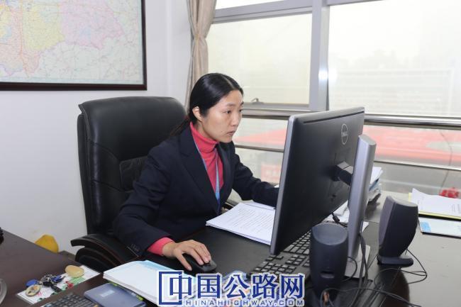 赵奇志工作照 (1).JPG