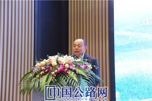 刘文杰致辞讲话。《中国公路》杂志实习记者 张林 摄.JPG
